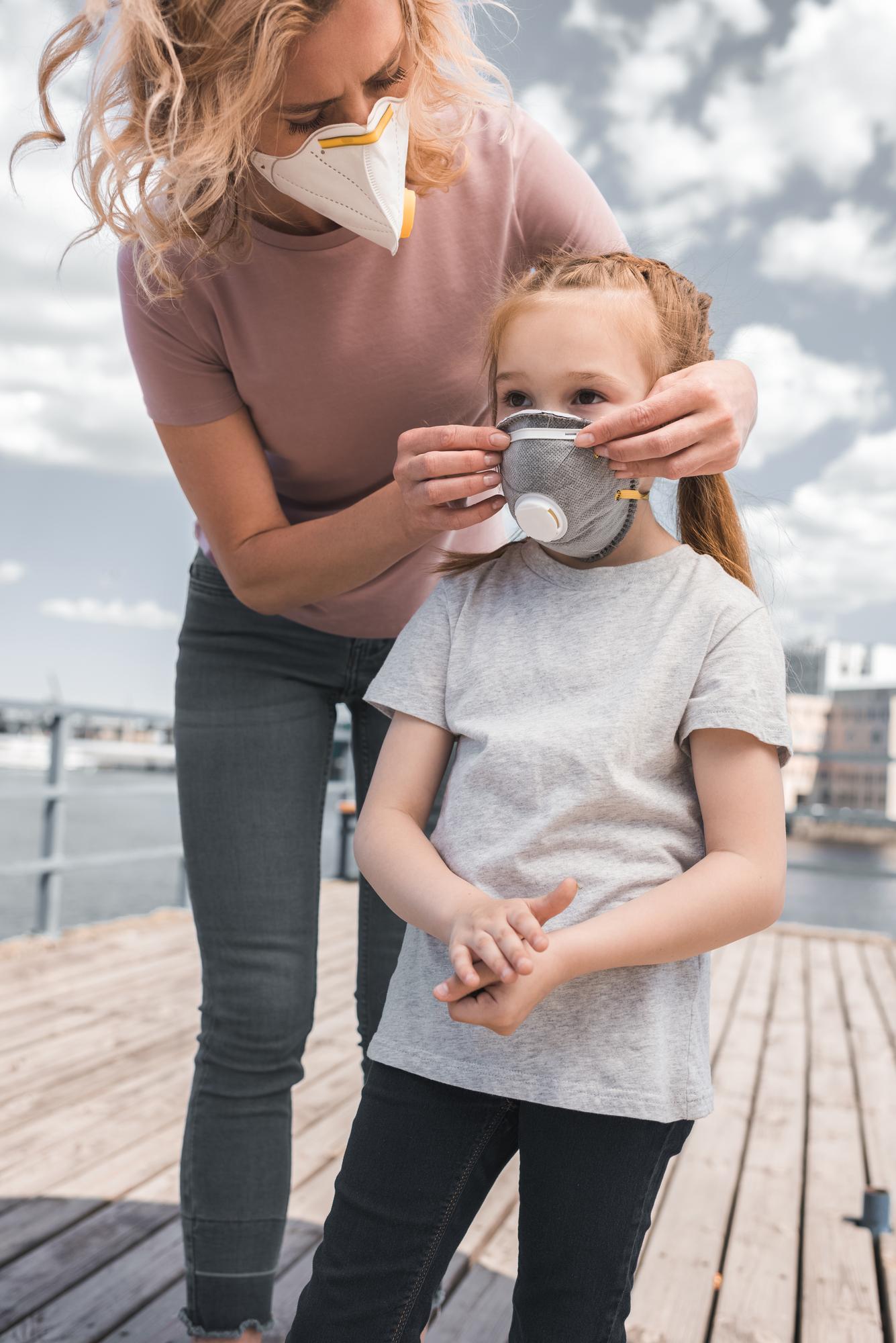 Πώς να μιλήσετε στα παιδιά για τον κορονοϊό. Οδηγίες για γονείς