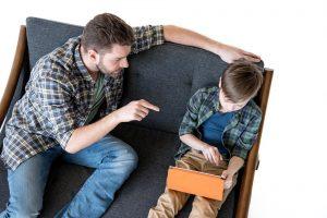 Κριτικός vs. Στοργικός Γονέας